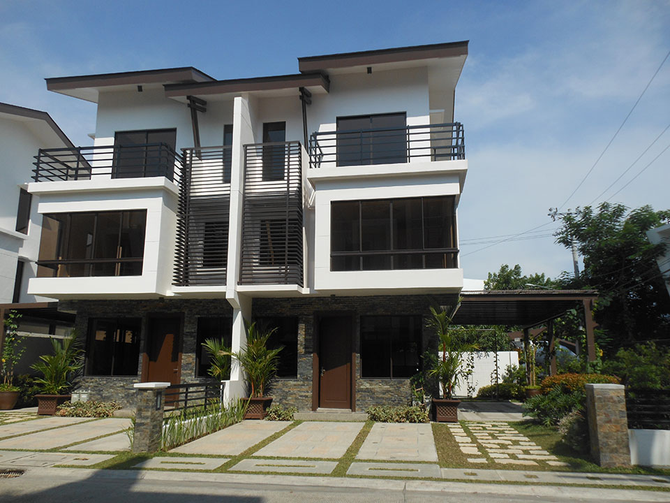 Mahogany Place III – Duplex, Bare building view
