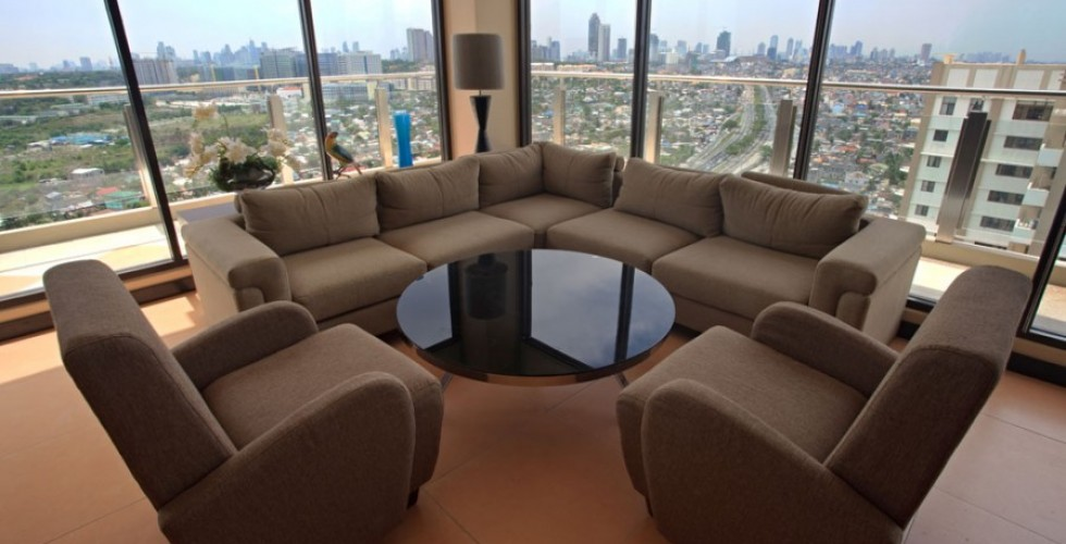 Skylounge, Altiva Building, Cypress Towers