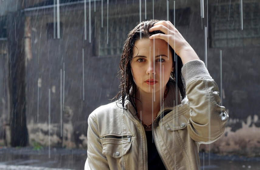 Rainy Days Commuters Too Cool for an Umbrella