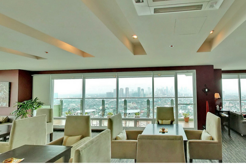 unwind in the skylounge