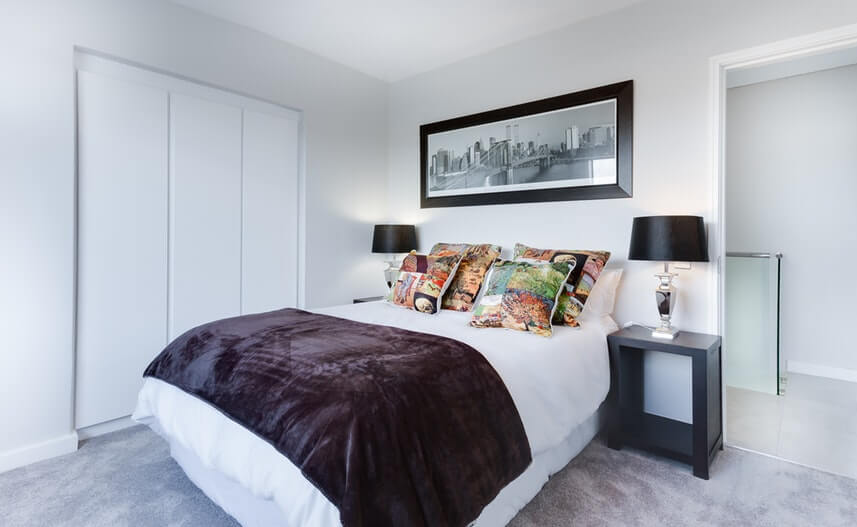 feng shui place your bed in right position
