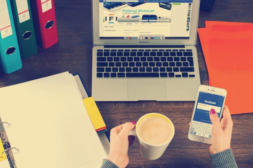 navigate facebook laptop mobile