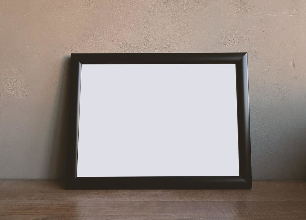 pick lightweight picture frame