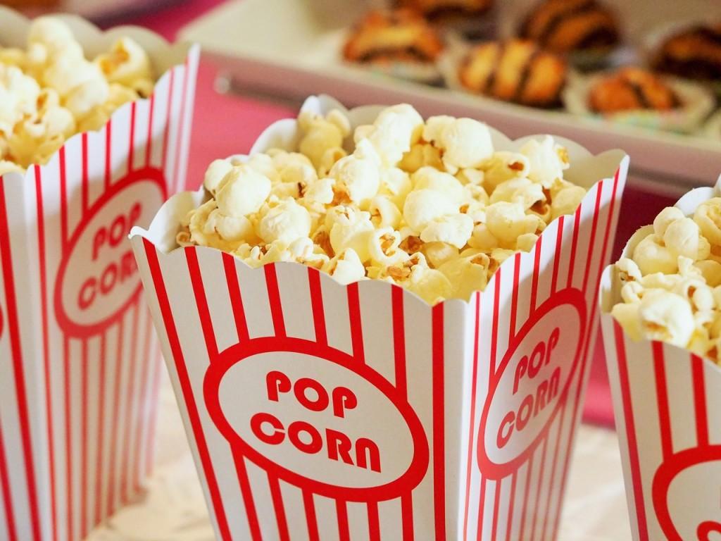 movie-bringing at home