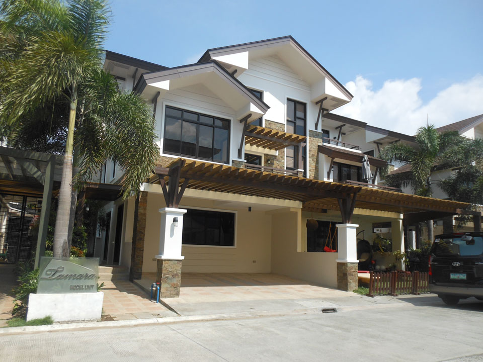 Mahogany Place III – Townhouse, Bare building view