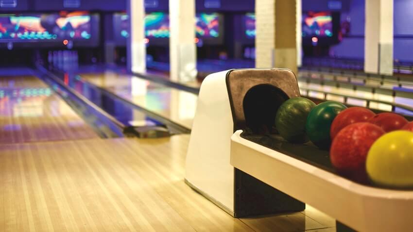 valentine's tandem date bowling